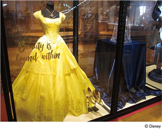 エマ・ワトソン着用のドレス[『美女と野獣』の世界展 at GINZA MITSUKOSHI]