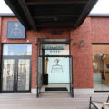 スヌーピーをテーマにした「ピーナッツ ダイナー」が、横浜・みなとみらいエリアにオープン